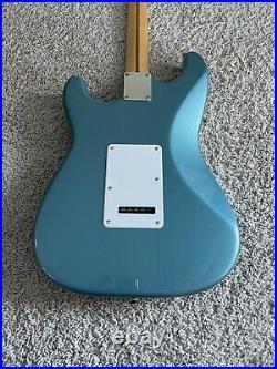Fender Standard Stratocaster MIM Vintage 1993 Lake Placid Blue Maple Neck Guitar